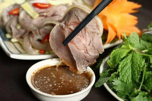 3 bước đơn giản làm món thịt dê hấp gừng thơm ngon đi vào lòng người.2